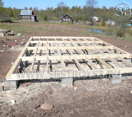Опорно-столбчатый фундамент для деревянной бани. Размер бани: 6х8 м.
