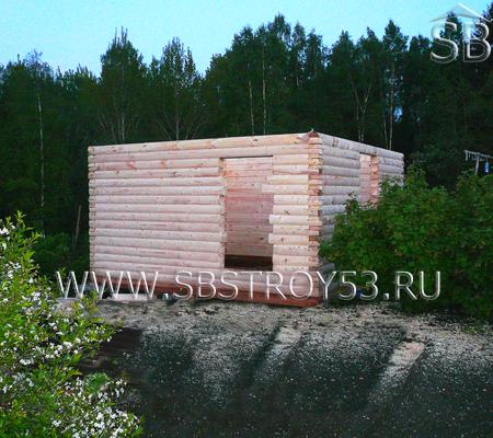 Строительство небольшой бани из бруса. Размер: 5х3 м.