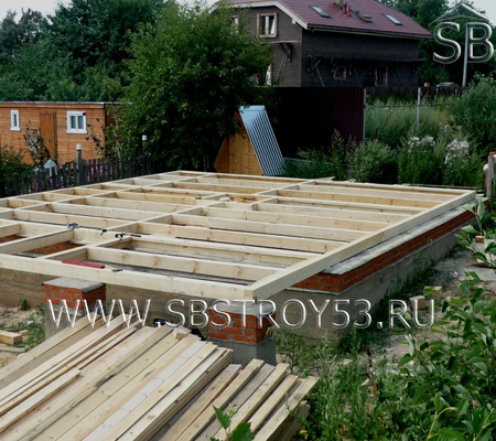 Обвязка на ленточном фундаменте для дома из бруса 8х9 м.
