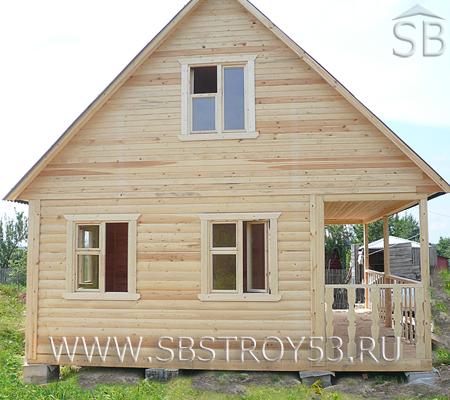 Брусовой дом с террасой 2х6 м. Размер дома: 6х6 м.