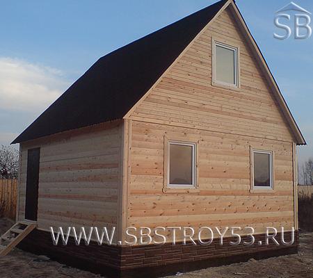 Двухэтажный деревянный дом. Размер: 6х6 м.